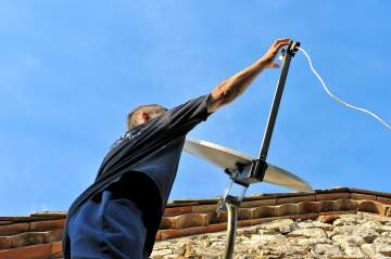 Pose, installation d'antenne satellite et parabole : votre entreprise à La Tremblade